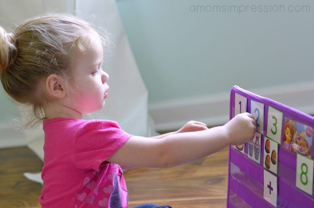 Sophia the First Learning Easel Activity Center