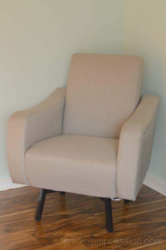 Delta Swivel Chair