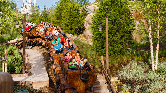 7-dwarfs-mine-train-00