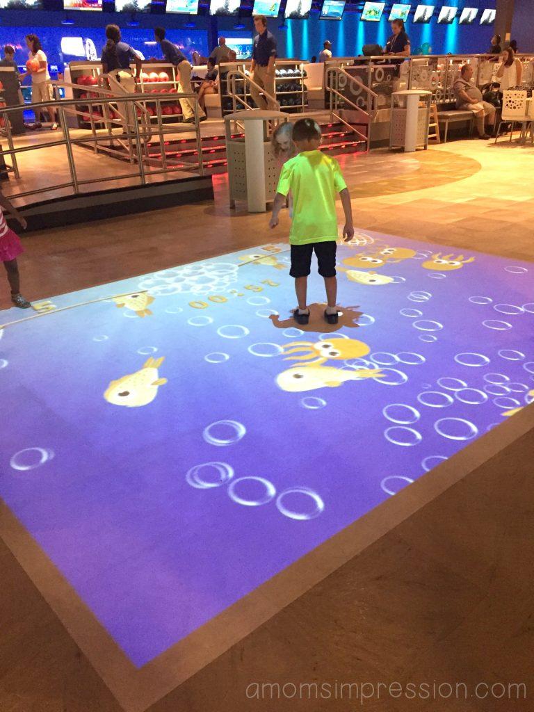 big-screen-floor