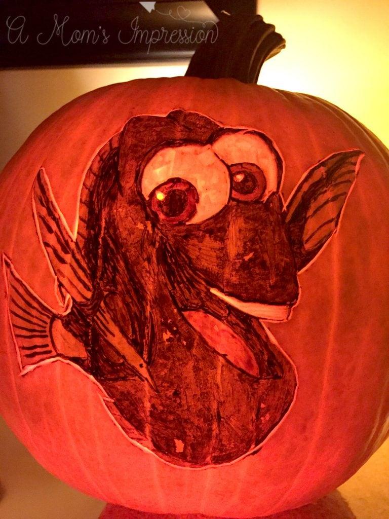 dory-pumpkin-lit-up