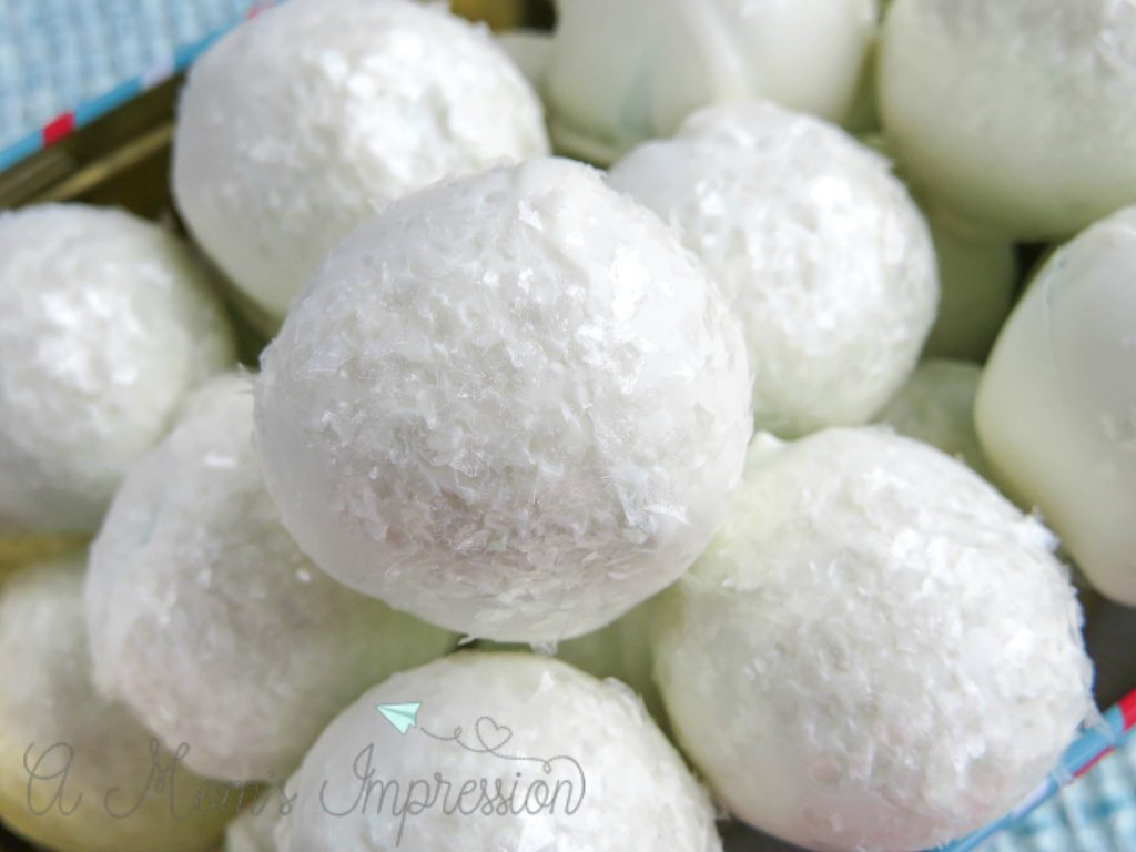 snowball cake pops recipe-finished cake balls