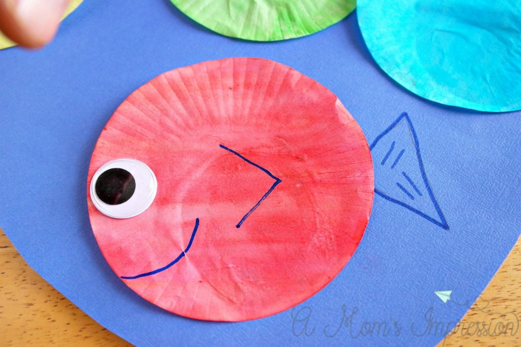 1 fish 2 fish red fish blue fish craft for young kids for Red fish blue fish