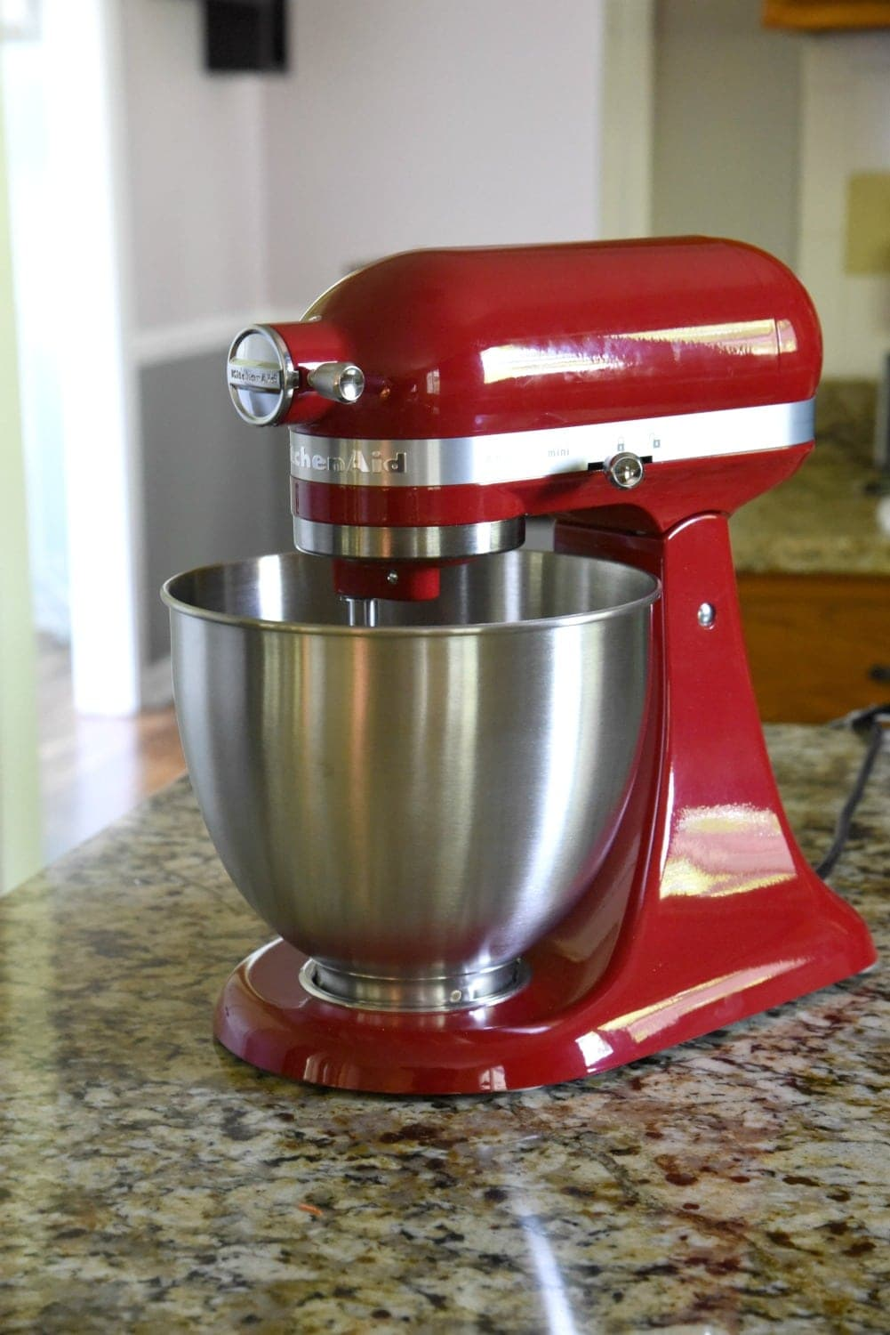 Kitchen Aid Listened To Its Customer And Downsized The Artisan With Their Newest Mixer Mini A New Innovative Addition Kitchenaid