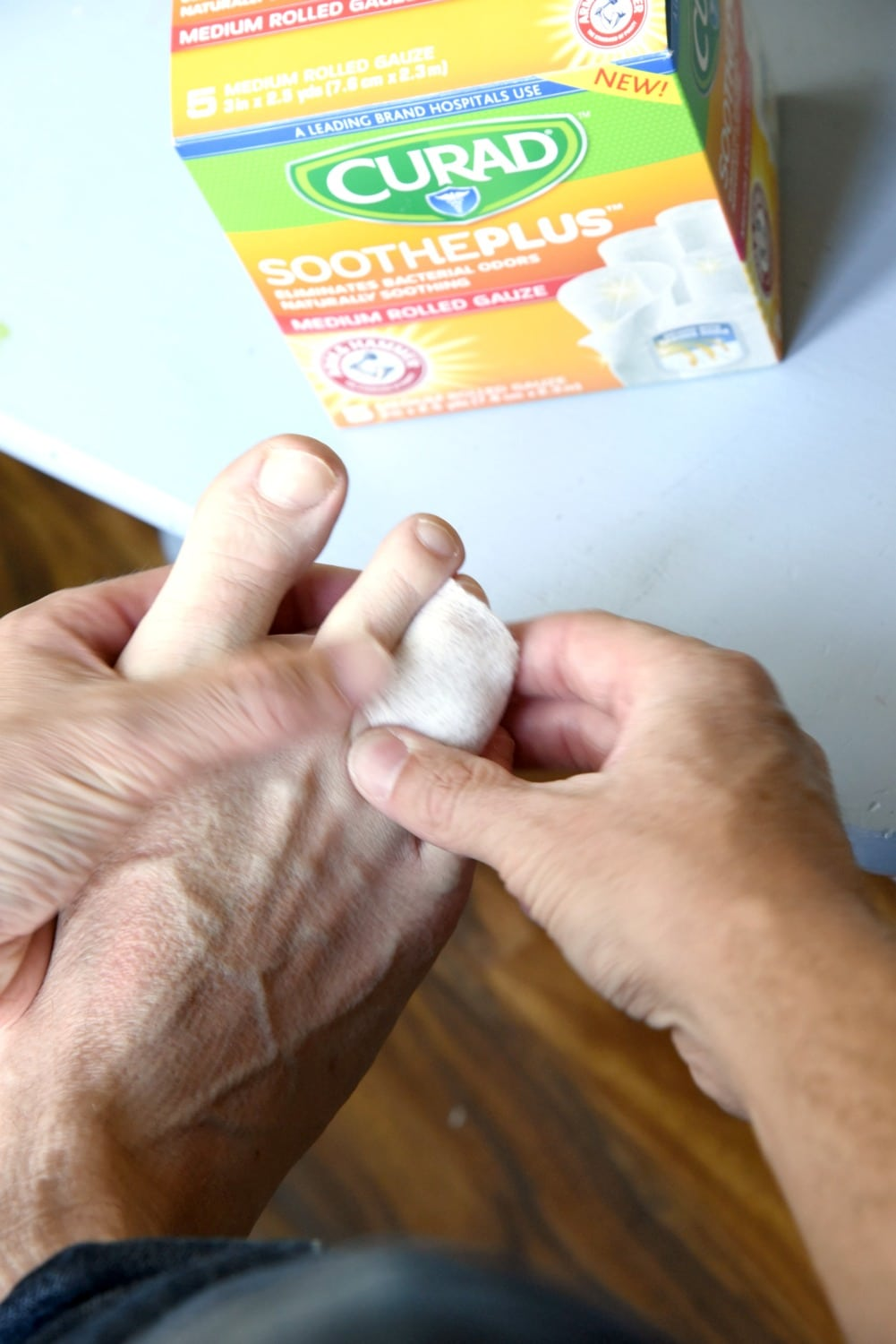 Rolling a Toe with gauze