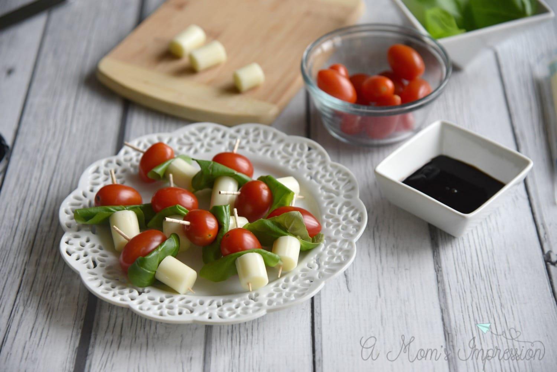 basil tomato mozzerella