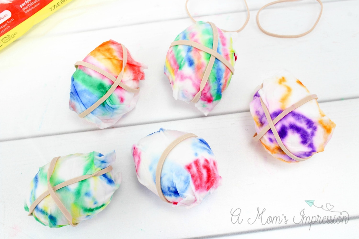 tie dying easter eggs