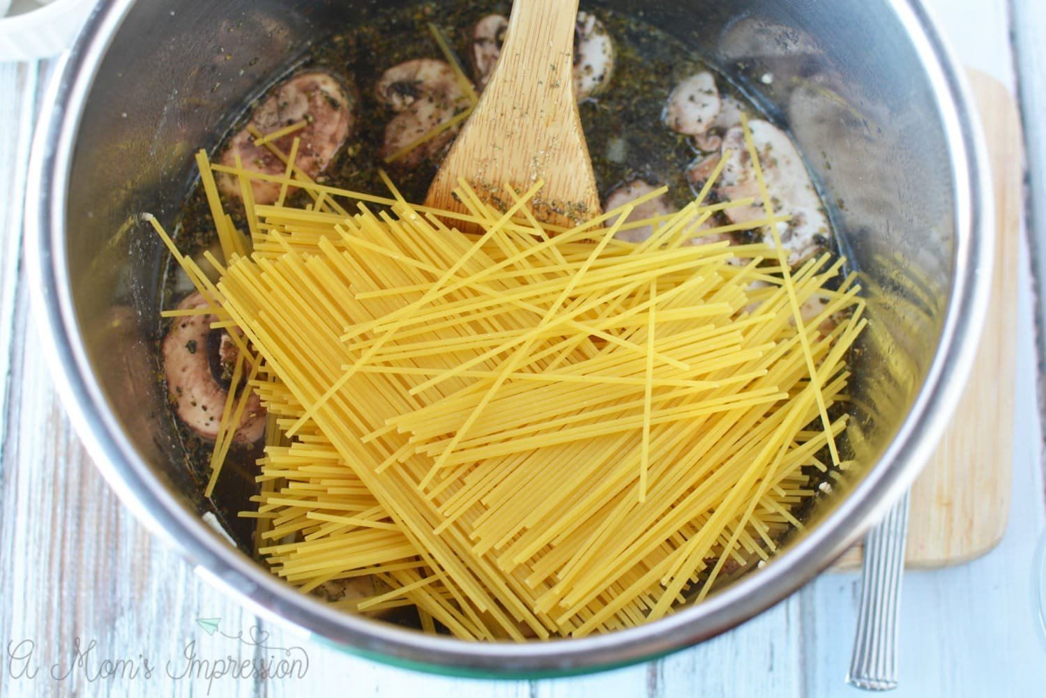 Instant Pot easy chicken spaghetti