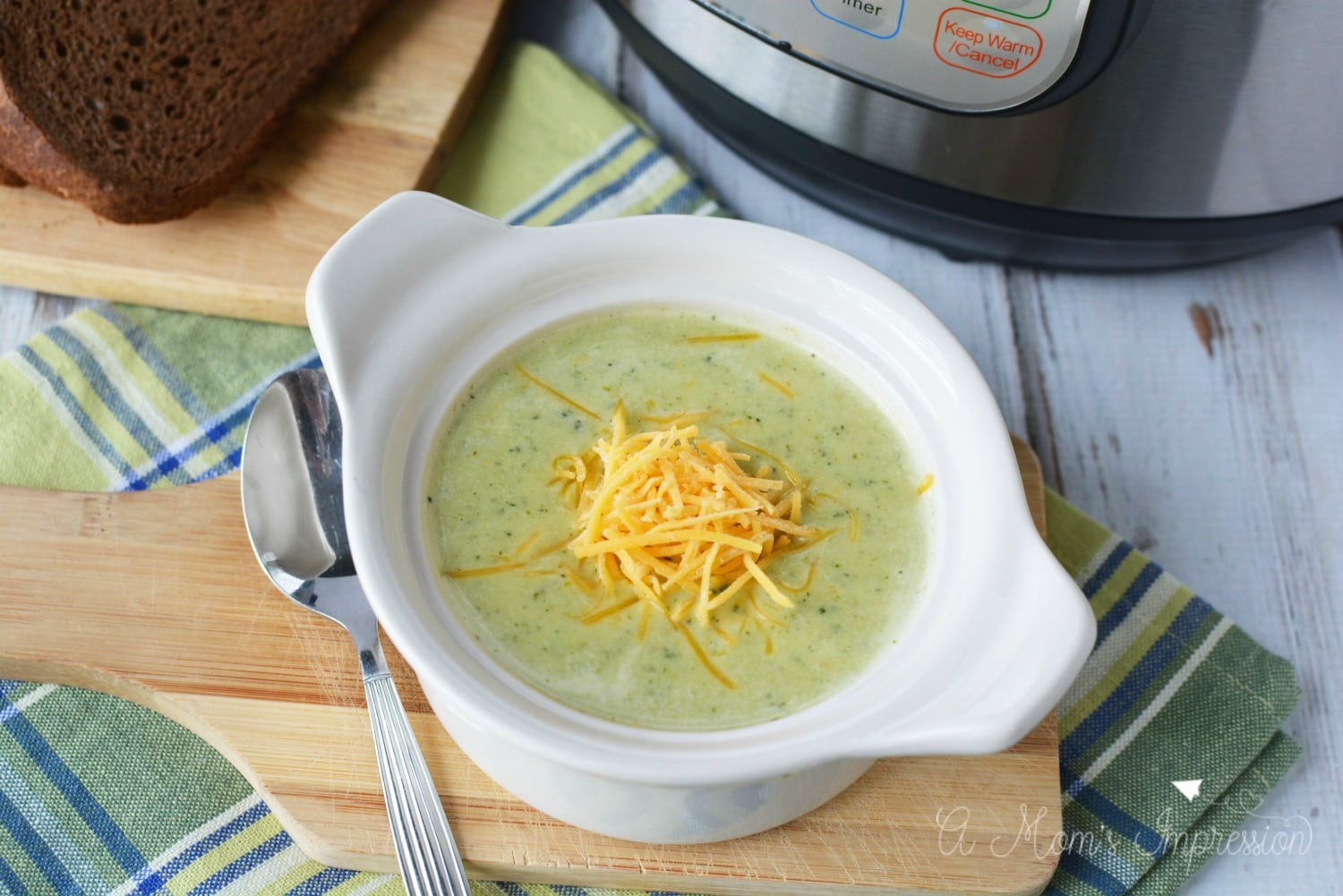 pressure cooker broccoli cheese soup
