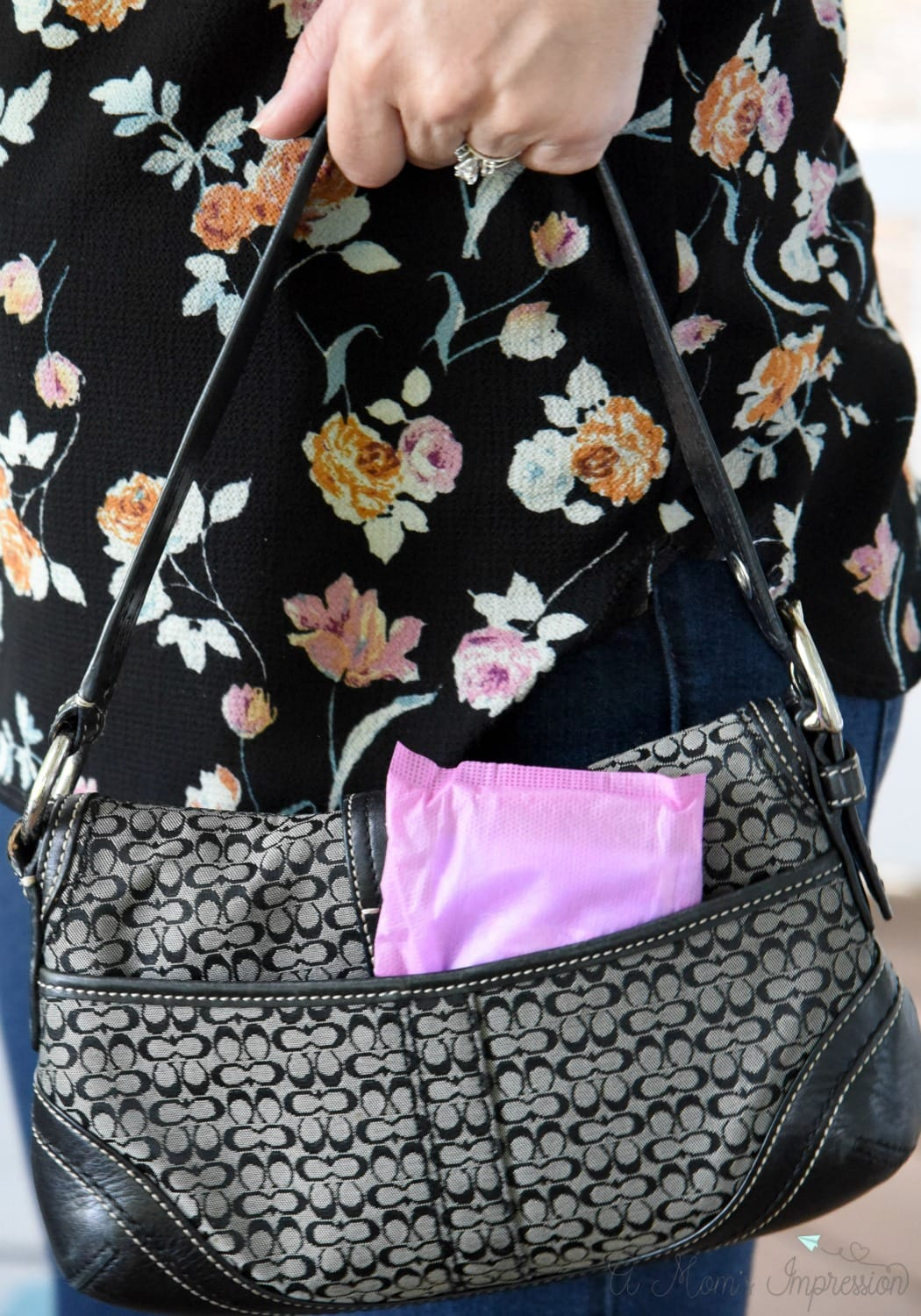 Poise in Purse