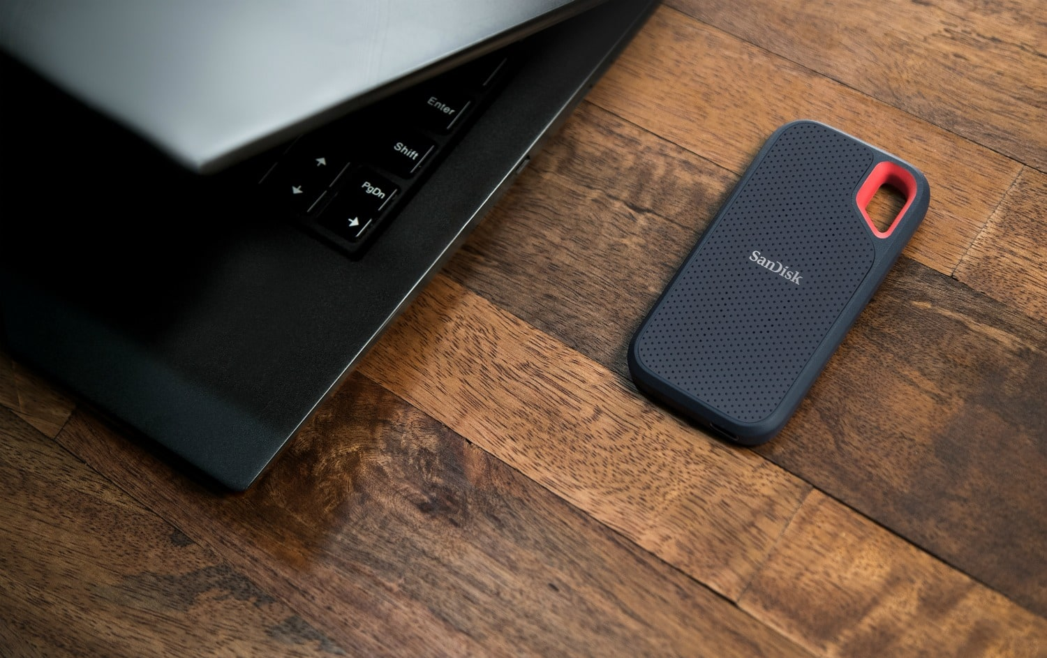 SanDisk Large portable memory drive