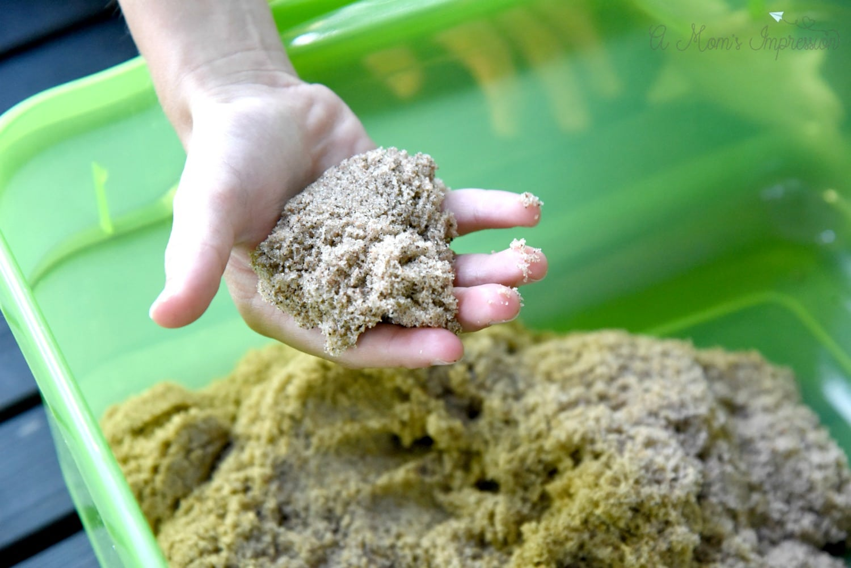 beach kinetic sand