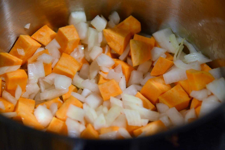 Sweet potato chili soup