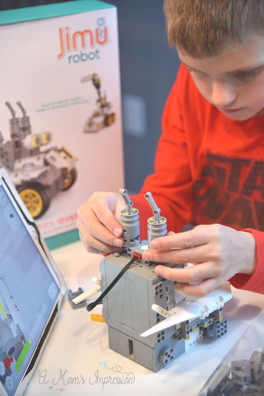 making the jimu robot