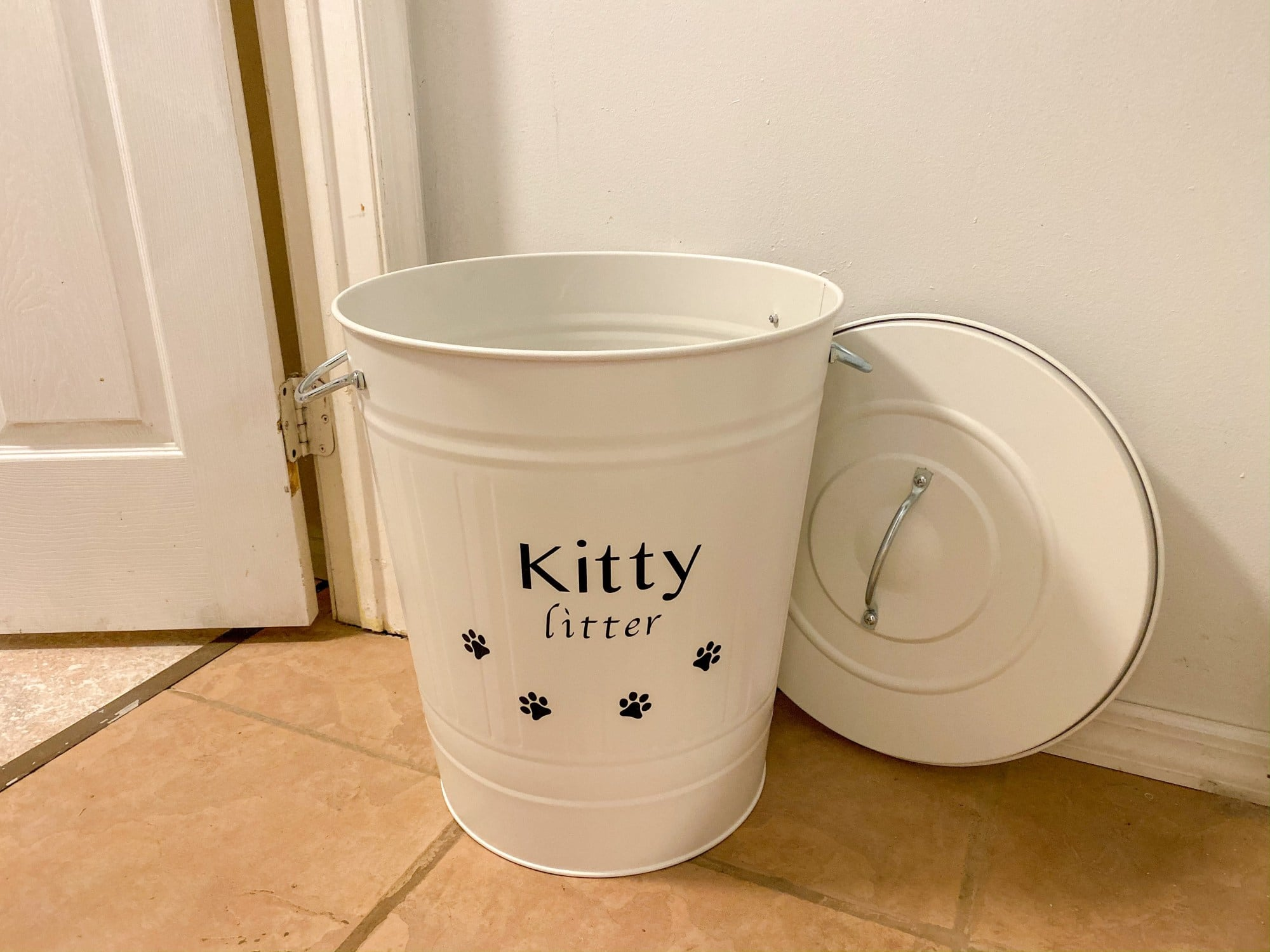 cricut-project-cat-litter-storage-container-14